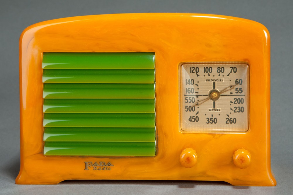 Fada Catalin 53 / 5F50 Radio in Yellow + Green